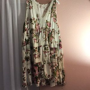 Floral dress with lace neck detail